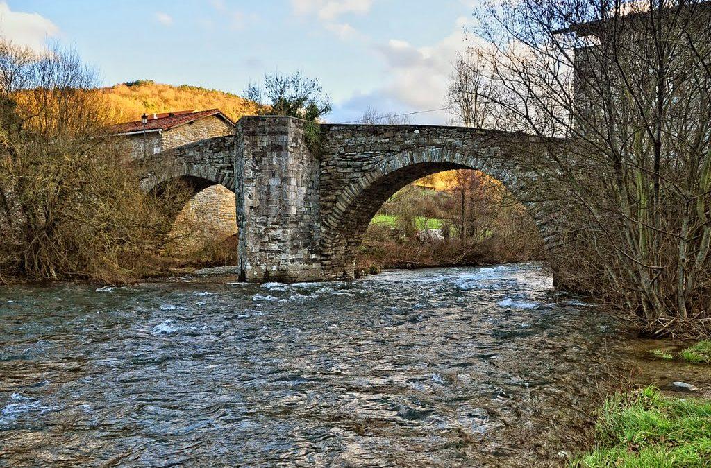 ¿Cuáles son los puentes icónicos del Camino de Santiago?